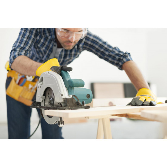Use of Electrical Power Saw